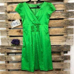 New Directions Kelly Green Cap Sleeve Dress   6